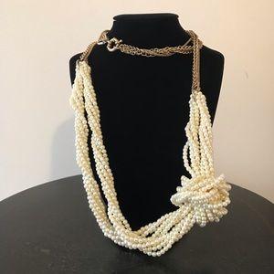 Banana Republic long imitation pearl necklace